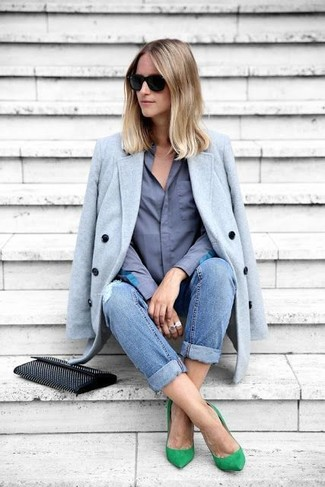 How to wear: green suede pumps, blue ripped boyfriend jeans, blue dress shirt, light blue coat