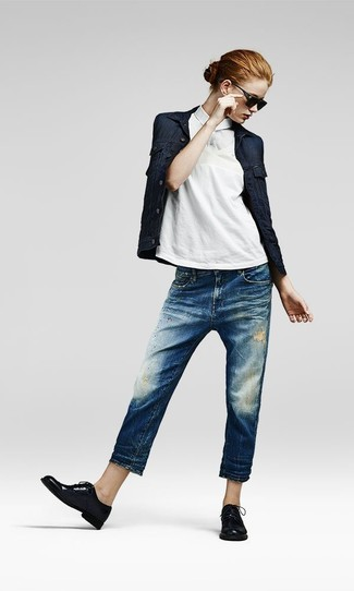 How to wear: black leather oxford shoes, blue ripped boyfriend jeans, white polo, navy denim jacket