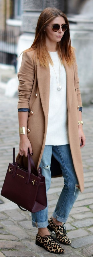 How to wear: beige leopard calf hair derby shoes, light blue ripped boyfriend jeans, white knit tunic, camel coat