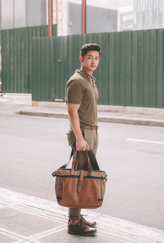How to wear: brown leather tote bag, dark brown leather brogues, brown chinos, olive polo