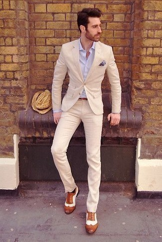 How to Wear a Light Blue Print Pocket Square: Extremely stylish and comfortable, this laid-back combination of a beige suit and a light blue print pocket square will provide you with variety. Level up this ensemble with tobacco leather brogues.