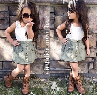 How to wear: brown boots, grey skirt, white tank top