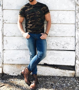 How to wear: dark brown beaded bracelet, brown leather casual boots, blue skinny jeans, olive camouflage crew-neck t-shirt