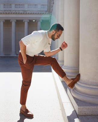 How to wear: brown leather loafers, tobacco chinos, white knit crew-neck t-shirt
