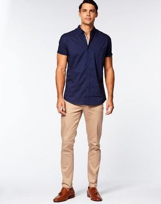 How to wear: brown leather tassel loafers, khaki chinos, navy short sleeve shirt