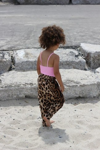 Girls' Looks & Outfits: What To Wear In 2020: Consider dressing your mini fashionista in a pink tank top with brown leopard trousers for a laid-back yet fashion-forward outfit.