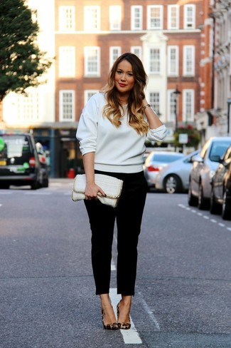 How to wear: white leather clutch, brown leopard suede pumps, black skinny pants, white sweatshirt