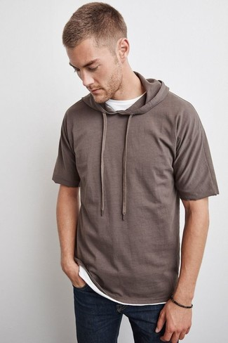 How to wear: brown short sleeve hoodie, white crew-neck t-shirt, navy jeans
