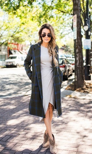 How to wear: brown fringe suede ankle boots, grey bodycon dress, olive check coat
