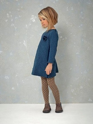 How to Wear Dark Brown Boots For Girls: Teach your girl to take pride in her appearance by suggesting that she reach for teal dress. Dark brown boots are a good choice to finish this look.
