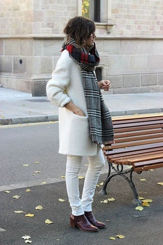 How to wear: grey plaid scarf, burgundy leather ankle boots, white skinny jeans, white coat