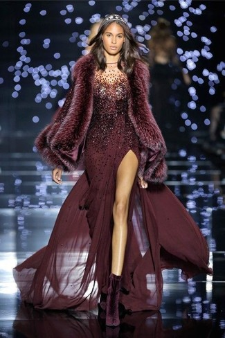 How to wear: burgundy fur scarf, dark purple velvet ankle boots, burgundy sequin evening dress