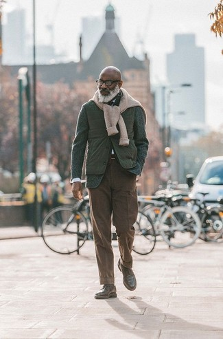 How to wear: white dress shirt, beige cable sweater, dark green wool blazer, olive quilted gilet