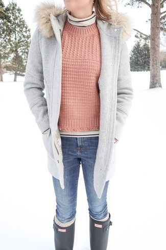 How to wear: blue skinny jeans, pink cable sweater, beige horizontal striped turtleneck, grey duffle coat