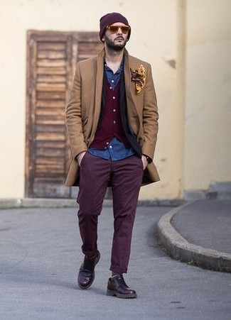 How to Wear Purple Chinos: Go for a simple but seriously stylish option pairing a camel overcoat and purple chinos. Finish your outfit with a pair of dark purple leather derby shoes for a modern hi/low mix.