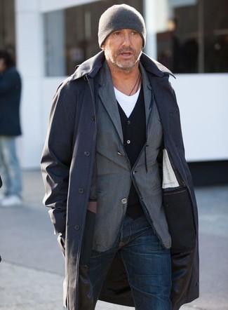 How to wear: white v-neck t-shirt, black cardigan, grey cotton blazer, black raincoat