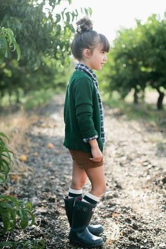 How to wear: dark green cardigan, green plaid long sleeve shirt, brown shorts, dark green rain boots