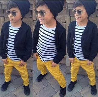 How to wear: black cardigan, white and black horizontal striped t-shirt, yellow trousers, black sneakers