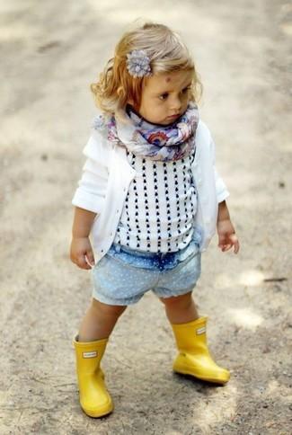 How to wear: white cardigan, white tank top, light blue denim shorts, yellow rain boots