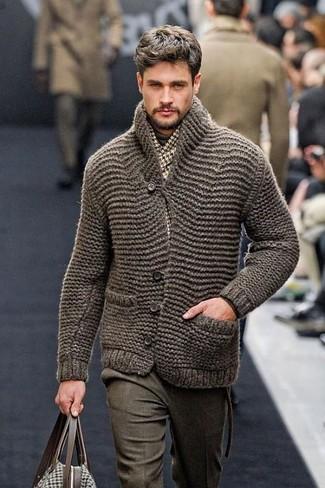 How to wear: olive knit cardigan, dark brown turtleneck, olive wool dress pants, brown canvas tote bag