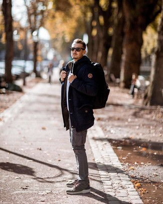 How to wear: olive athletic shoes, grey cargo pants, white crew-neck sweater, navy parka