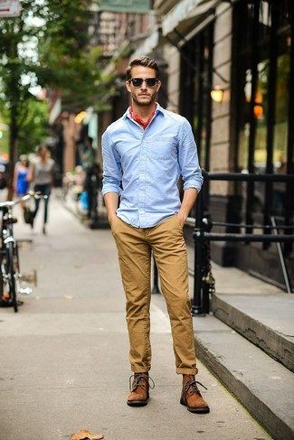 How to wear: red bandana, brown suede casual boots, khaki chinos, light blue long sleeve shirt