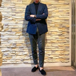 How to wear: black suede tassel loafers, charcoal chinos, black short sleeve shirt, navy double breasted blazer