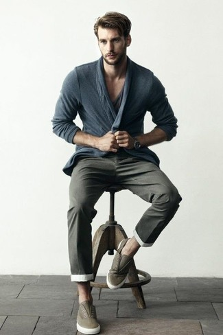 How to wear: olive leather slip-on sneakers, charcoal chinos, charcoal v-neck t-shirt, charcoal cardigan