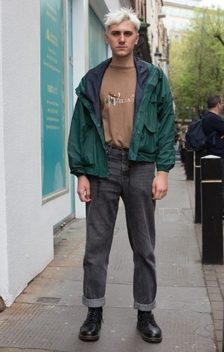 How to Wear a Tan Print Crew-neck T-shirt For Men: The go-to for a kick-ass relaxed casual ensemble? A tan print crew-neck t-shirt with charcoal jeans. Black leather casual boots will bring an extra touch of style to an otherwise simple look.