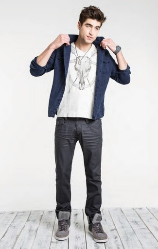 How to wear: grey high top sneakers, charcoal jeans, white and black print v-neck t-shirt, navy cotton blazer
