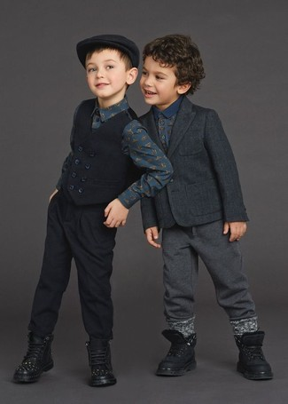 How to Wear Charcoal Sweatpants For Boys: Reach for a charcoal blazer and charcoal sweatpants for your kid to get a laid-back yet stylish look. Finish off this style with black boots.