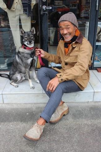 How to wear: brown beanie, beige suede chelsea boots, navy wool chinos, brown barn jacket