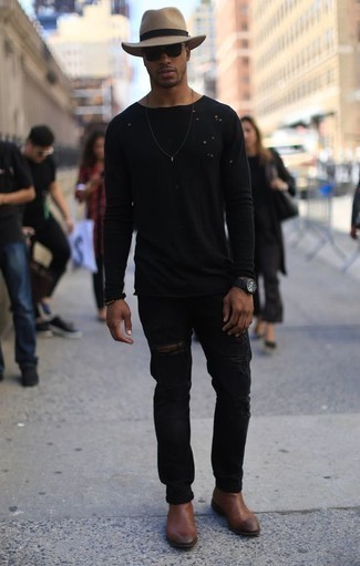 How To Wear Black Pants With Brown Shoes For Men: Get into zen mode in this practical combo of a black long sleeve t-shirt and black pants. A cool pair of brown leather chelsea boots is an easy way to upgrade this look.