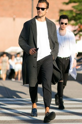 How to wear: teal leather loafers, black chinos, white crew-neck sweater, charcoal overcoat