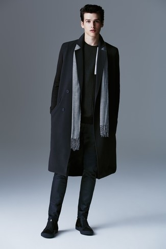 How to wear: black suede chelsea boots, navy chinos, black crew-neck sweater, black overcoat