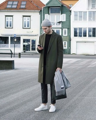 How to Wear Charcoal Chinos: Inject an elegant touch into your daily styling collection with a dark green overcoat and charcoal chinos. Rounding off with white leather low top sneakers is an effective way to inject a touch of stylish casualness into your outfit.
