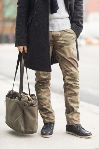 How to Wear an Olive Canvas Tote Bag For Men: Reach for a charcoal overcoat and an olive canvas tote bag for a casual level of dress. A pair of black leather casual boots immediately classes up any getup.