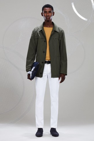 How to wear: black suede derby shoes, white chinos, yellow crew-neck sweater, olive raincoat