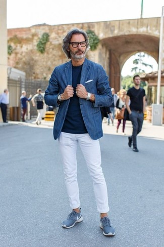 How to wear: blue low top sneakers, white chinos, navy crew-neck t-shirt, blue denim blazer