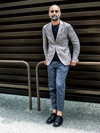 Men's Looks & Outfits: What To Wear In 2020: Marrying a grey plaid blazer and blue chinos is a guaranteed way to inject manly refinement into your styling rotation. And if you need to easily up the style ante of this outfit with footwear, why not enter black leather derby shoes into the equation?