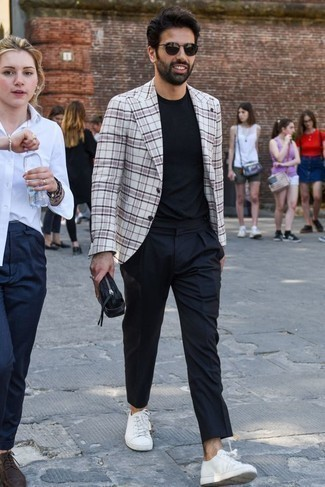 Men's Looks & Outfits: What To Wear In 2020: Combining a white and black plaid blazer with navy chinos is an awesome choice for a casually classic outfit. If you wish to immediately dial down this look with footwear, why not introduce white canvas low top sneakers to the mix?