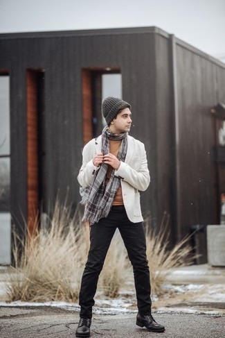How to Wear Black Leather Casual Boots For Men: Teaming a white blazer with black chinos is a good option for an effortlessly elegant menswear style. When in doubt as to the footwear, go with black leather casual boots.