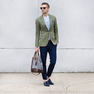 How to Wear Navy Suede Tassel Loafers: For casual refinement with a manly spin, make an olive blazer and navy chinos your outfit choice. If you wish to effortlessly rev up your outfit with footwear, complete this ensemble with a pair of navy suede tassel loafers.