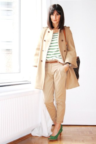 How to wear: green suede pumps, beige chinos, green horizontal striped crew-neck t-shirt, beige coat