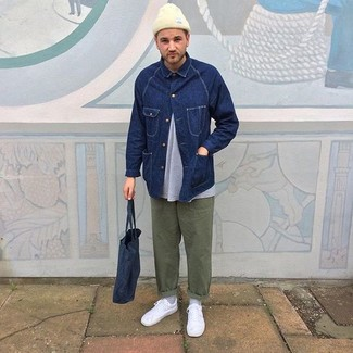 How to wear: white low top sneakers, olive chinos, grey crew-neck t-shirt, navy denim jacket
