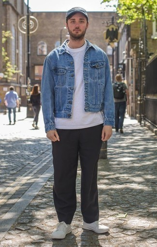 How to Wear a Navy Baseball Cap For Men: For casual city style without the need to sacrifice on comfort, we like this combination of a blue denim jacket and a navy baseball cap. If you wish to instantly perk up your getup with one piece, introduce a pair of white canvas low top sneakers to the mix.