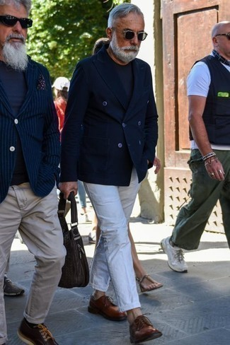 How to Wear a Navy Crew-neck T-shirt For Men: Try teaming a navy crew-neck t-shirt with white chinos if you want to look cool and relaxed without trying too hard. Brown leather derby shoes will breathe an extra touch of style into an otherwise everyday outfit.