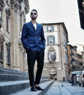 How to Wear a Double Breasted Blazer For Men: For an effortlessly neat getup, dress in a double breasted blazer and navy chinos — these pieces play really well together. To give your overall outfit a smarter twist, why not add a pair of black leather loafers?