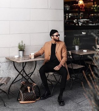 How to Wear a Black Beanie For Men: Who said you can't make a fashionable statement with a laid-back look? Turn every head around in a camel overcoat and a black beanie. For something more on the elegant side to round off your ensemble, complement this outfit with black leather derby shoes.