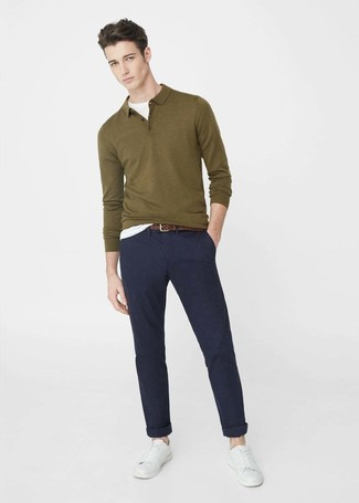 How to wear: white leather low top sneakers, navy chinos, white crew-neck t-shirt, olive polo neck sweater